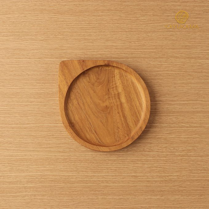 TIRA WOODEN PLATE FRONT VIEW KAYUKAMA